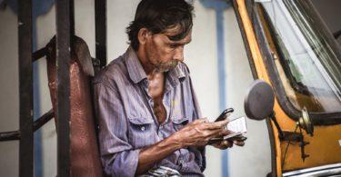 India-smartphone-driver