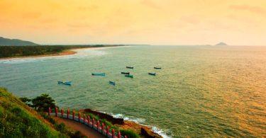 A-Beach-in-Karnataka